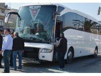 Tur otobüsü ile tır çarpıştı, yolcular dehşeti yaşadı