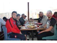 Bilecikspor, Pazaryeri maçı öncesi kahvaltıda bir araya geldi