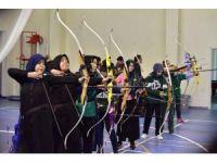 Osmaniye'de okullar arası okçuluk yarışmaları düzenlendi