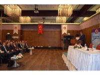 """""""Cumhurbaşkanlığı ve Yeni Hükümet Sistemi ile Güncel Ekonomik Gelişmeler"""" toplantısı"""