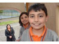 9 yaşındaki Bayram, 50 bin liraya 'anne' diyecek
