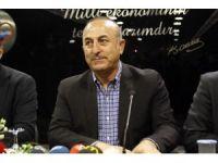 """Bakan Çavuşoğlu: """"Avrupa'da artan Müslüman düşmanlığı ve ırkçı akımı basın teşvik ediyor"""""""