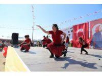 Down sendromlu çocuklar, 'Çilli Bom' dansıyla coştu