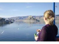 Barajın ortasındaki tarihi güzellik 'Pertek Kalesi'