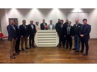 İsviçre'deki Türk STK'lardan çirkin pankartı kınama