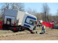 Polonya'da kamyon otobüsle çarpıştı: 5 ölü