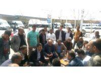 AK Parti Yenişehir ilçe teşkilatı sorun dinleyip vatandaşları mitinge davet etti