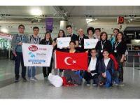 Liseli öğrenciler kendi yaptıkları robot ile ABD'de yarışacak