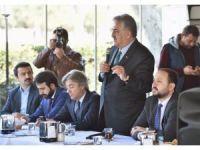 """AK Parti Genel Başkan yardımcısı Hayati Yazıcı: """"Bu metnin hiçbir yerinde fesih kelimesinin 'fes'i bile yok"""""""