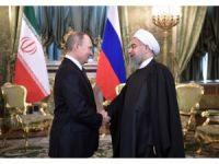 Putin ve Ruhani bir araya geldi