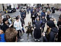 """Bronz """"Korkusuz Kız"""" heykeli Mart 2018 tarihine kadar Wall Street Meydanında kalacak"""