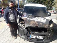 """Balıkçı """"evet"""" afişleri astığı otomobilinin kundaklandığını iddia etti"""