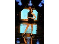 Dosso Dossi Fashion Show'un baş mankeni Adriana Lima