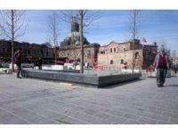 Eminönü Meydanı ve çevresi yenileniyor