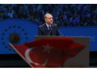 Cumhurbaşkanı Erdoğan kürsüde Bakanlar Kurulu kararını imzaladı