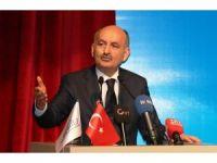 Bakan Müezzinoğlu, sağlık temsilcileri ile bir araya geldi
