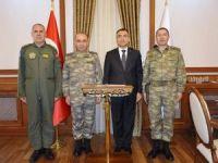 Kara Kuvvetleri Kurmay Başkanı Korgeneral Öngay, Vali Toprak'ı ziyaret etti