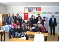 ERÜ Hukuk Fakültesi ilköğretim okullarına yönelik yardımlarını sürdürüyor