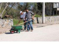 Belediye ekipleri Ayazlı mahallesi sokaklarını köşe bucak temizleniyor