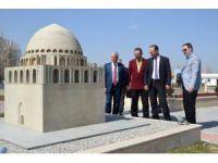 Türk Dünyası Bilim Kültür ve Sanat Merkezi'nin ilk konuğu