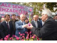 Şehzadeler'den vatandaşlara 2 bin adet lale soğanı