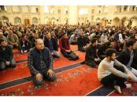Ankaralılar Regaip Kandili'nde camilere akın etti