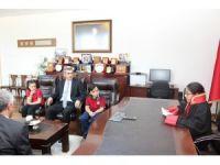 Denizli Cumhuriyet Başsavcısı makamını sembolik olarak çocuklara teslim etti
