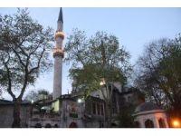 İstanbul'un tarihi camilerinde Miraç Kandili coşkusu