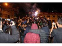 Fenerbahçeli taraftarlardan coşkulu kutlama