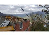 Artvin'de 100'e yakın ev fırtınadan etkilendi