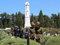 Fransız ve Helles anıtlarında anma töreni