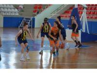 Fenerbahçe yenilgisiz finallerde
