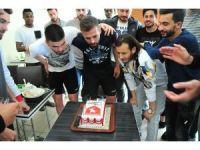 Samsunsporlu futbolcuya doğum günü sürprizi