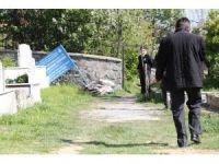 Sultangazi eski Habibler Mezarlığında çuval içinde ceset bulundu