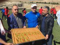 Evkur Yeni Malatyaspor'a şampiyonluk tatlısı