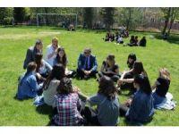 Lisede bahar şenliği