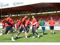 Evkur Yeni Malatyaspor, İnönü Stadı'nda Göztepe maçının provasını yaptı
