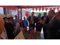 Köy okulunda 4006 TÜBİTAK fuarı