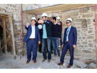 Başkan Yazgı, 2. Kılıçaslan Hamamında restore çalışmalarını inceledi