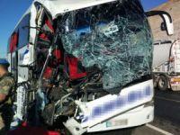 Elazığ'da trafik kazası: 2 ölü, 30 yaralı