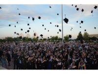 Harran Üniversitesi Fen Edebiyat Fakültesinde mezuniyet sevinci