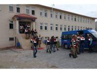 Ağrı merkezli 7 ilde göçmen kaçakçılarına darbe