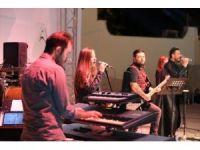 Denizli'de Barış Manço'nun unutulmaz eserleri ile konser verildi