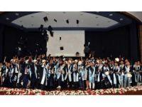 ADÜ Mühendislik Fakültesi ilk mezunlarını uğurladı