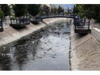 Gölbaşı'nda su kanalları temizleniyor
