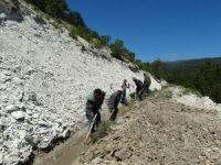 Sulama kanallarının temizliğini vatandaşlar yapıyor