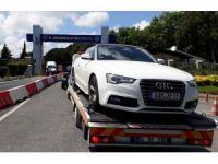 Fenerbahçeli Ozan Tufan'ın da gözaltına alındığı operasyonda ele geçirilen araçlar İl Jandarma Komutanlığı'na getirildi
