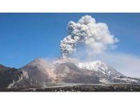 Rusya'da yanardağ 6 kilometre yüksekliğe laf püskürttü