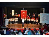 İstiklal Marşını ezbere okuma yarışmasını Suriyeli öğrenci kazandı