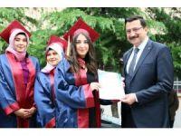 Başkan Ak mezuniyet törenine katıldı